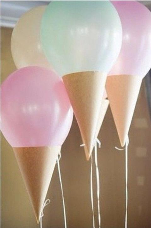 Ballonnen gevuld en gedecoreerd als ijsjes