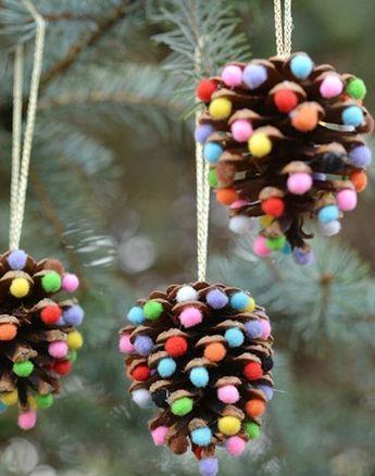 Knutselen voor kerst met kinderen dennenappels